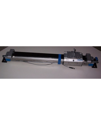 Festo Linearantrieb DGPL-32-400-PPV-A-B-KF 526658 R608 GEB